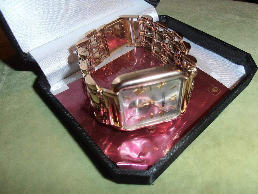 Продам золотые часы подарок. prodam-zolotye-chasy-podarok